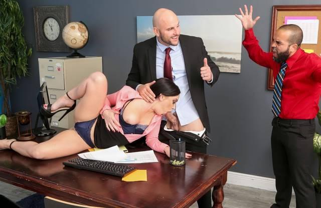 Мужик увидел измену жены в офисе с хуястым пошлым начальником