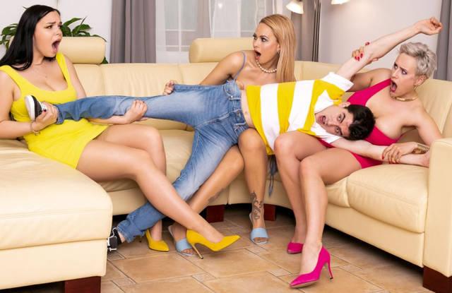 Бразерс - Зрелая лесбиянка устроила ЖМЖ с пасынком и своей лучшей подругой